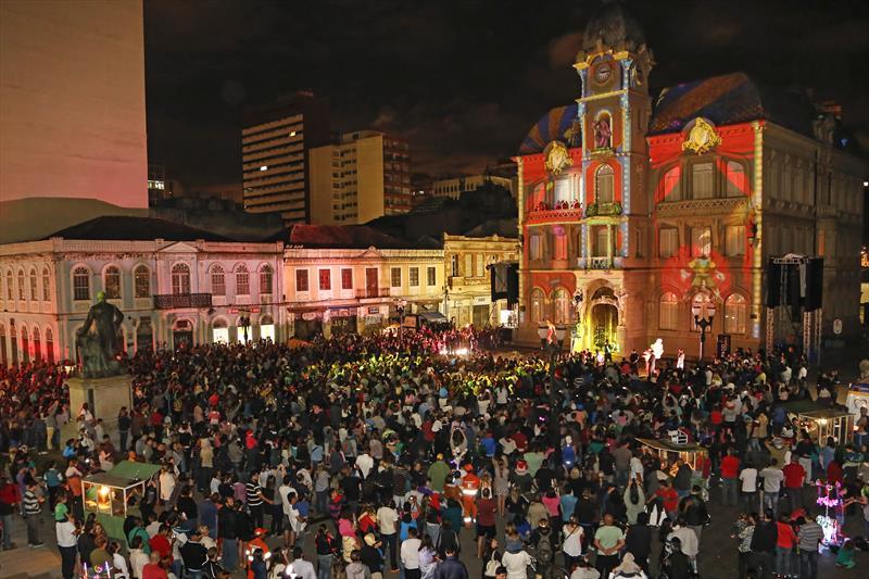 Programação do Natal de Curitiba encanta com tradições locais