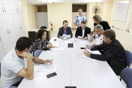 Comissão de Economia aprova  convênio para asfaltar 61 ruas