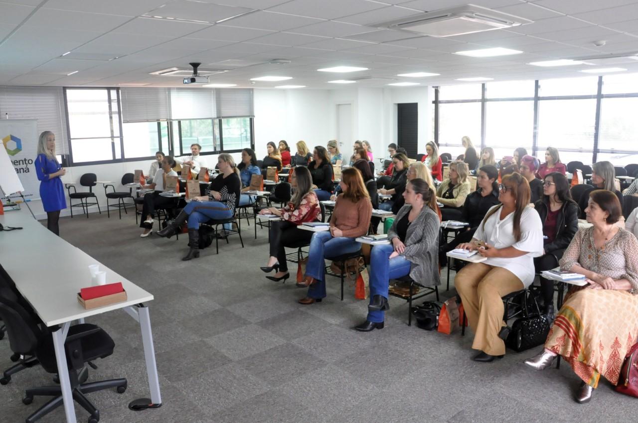 Parceria Fomento Paraná – Clube da Alice leva linhas de crédito para empreendedoras
