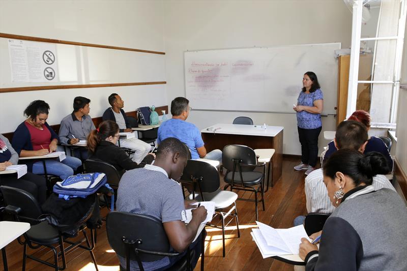 Liceus de Ofícios têm vagas para cursos gratuitos em novembro