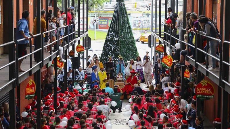 Nas Regionais, celebração será feita de música e iluminação especial