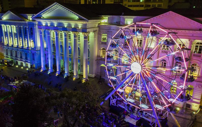 Roda-gigante da Vila de Natal recebeu 13,4 mil pessoas nos primeiros quatro dias