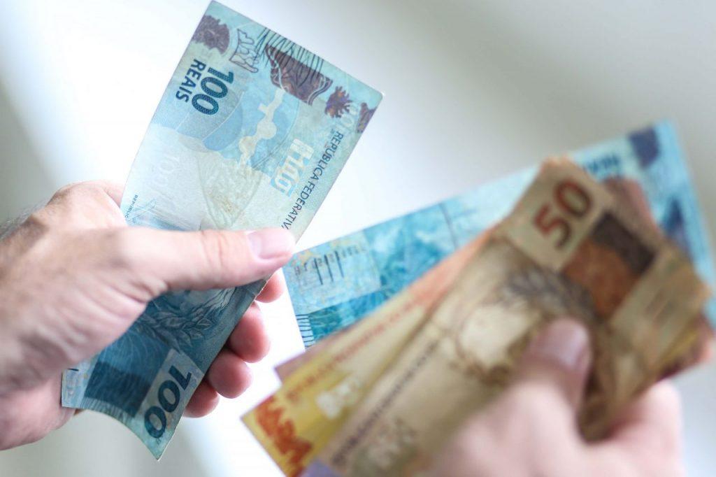 Salário mínimo regional vai a R$ 1.383,80 e segue como o maior do País