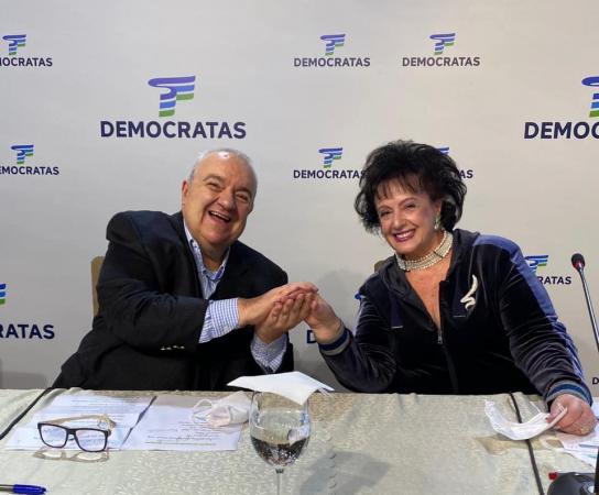 Exames mostram melhora de prefeito de Curitiba e primeira-dama, internados com Covid-19