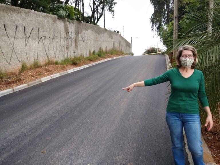 Rua Jefferson Becker no Taboão recebe implantação de asfalto