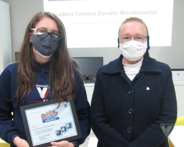 Estudante Vicentina é premiada em Concurso da NASA!